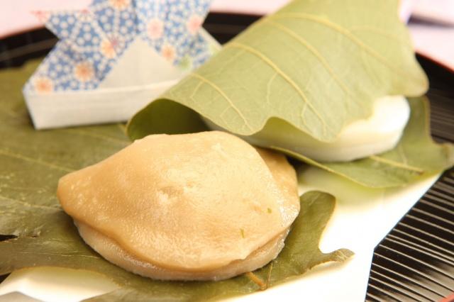 かしわ餅(つぶあん) 120円